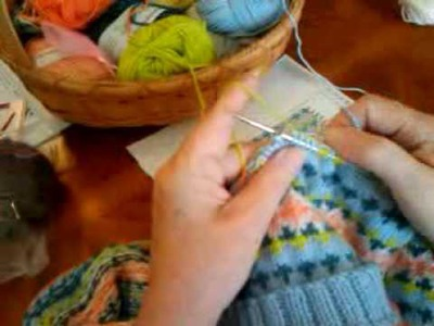 Fair Isle Knitting-How to Wrap a Float by Suzy