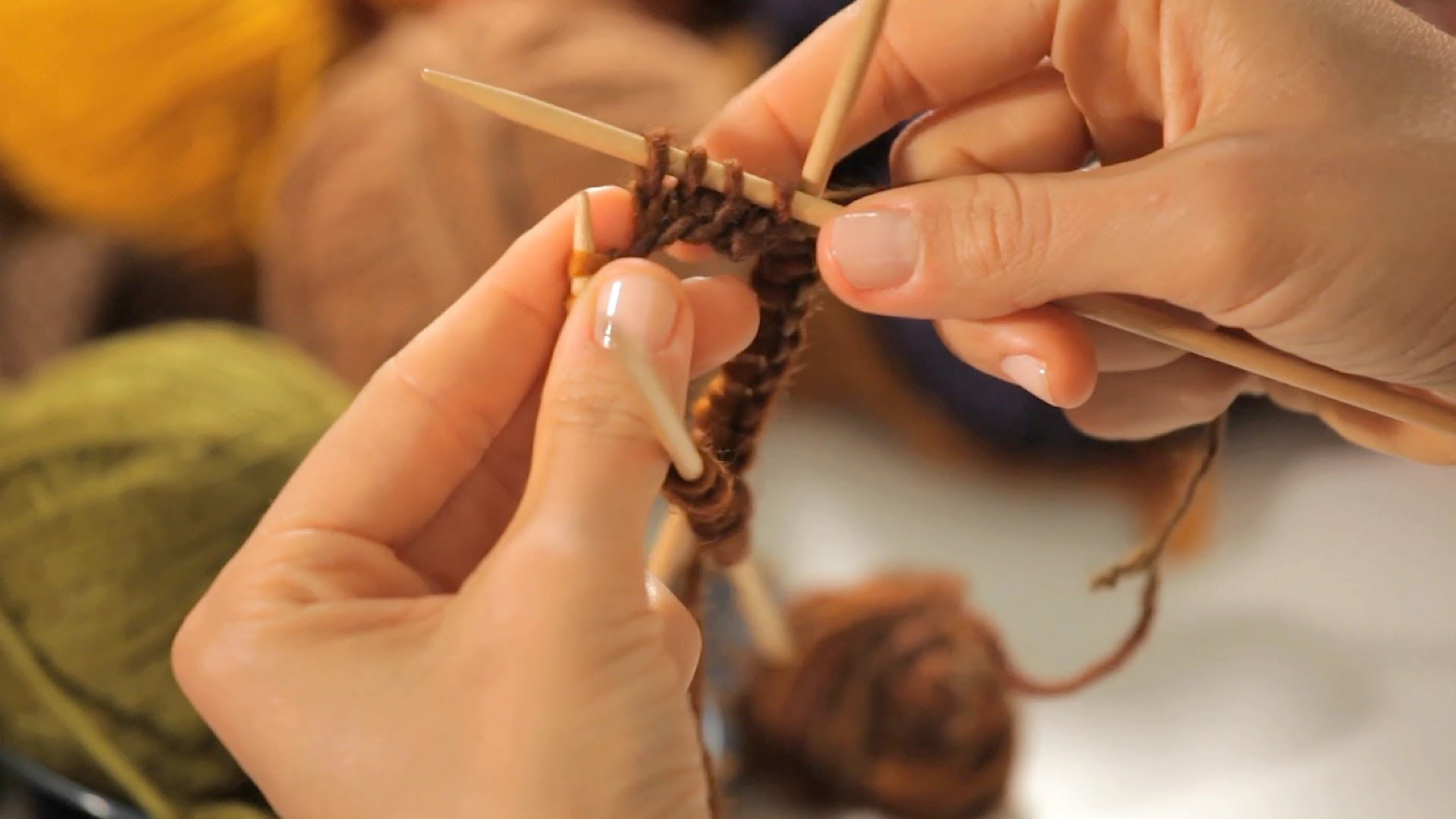 How to Join the Round on 2-Pointed Needles | Circular Knitting