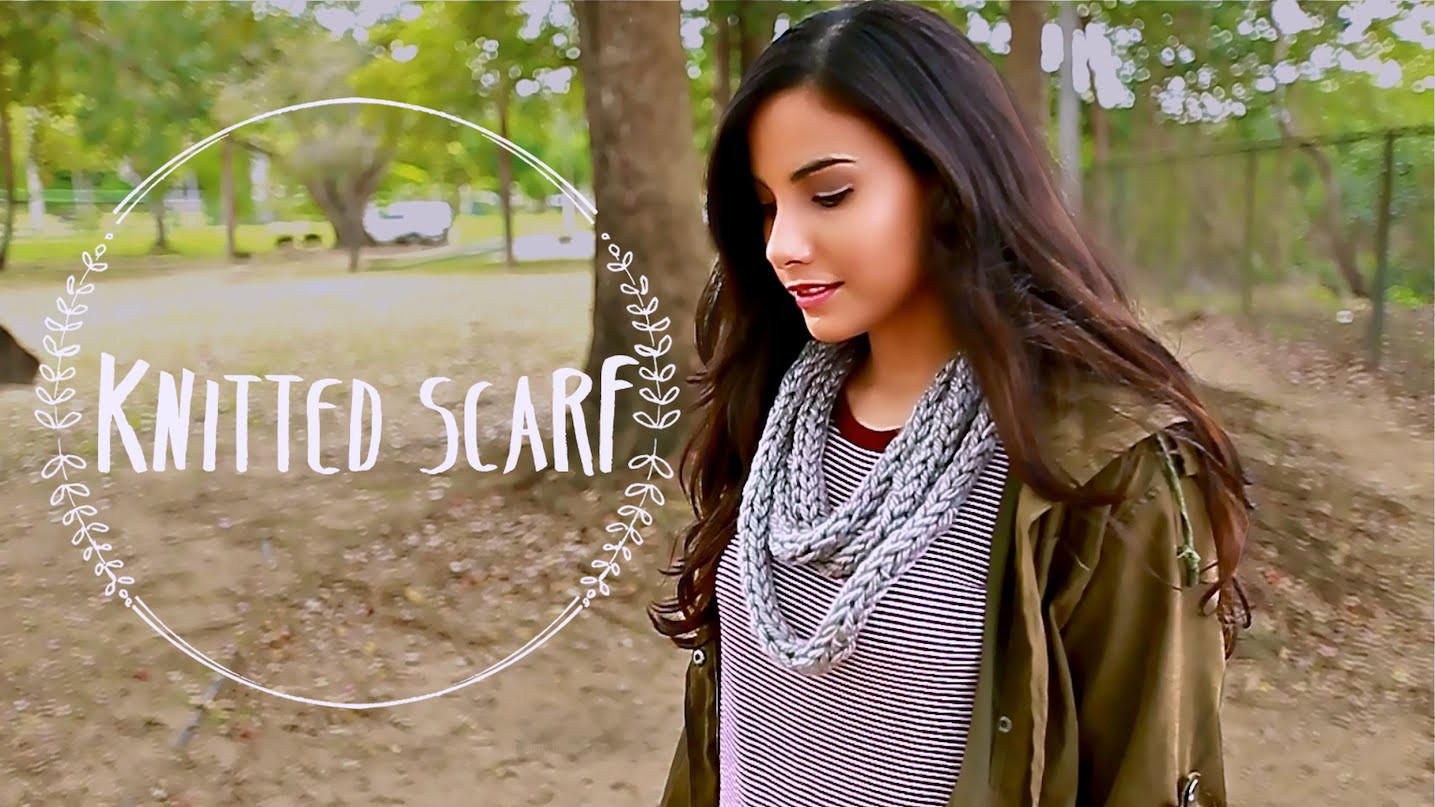 Knit a Scarf with your FINGERS!   How to DIY Finger Knitting a Scarf in 30 Minutes for Beginners