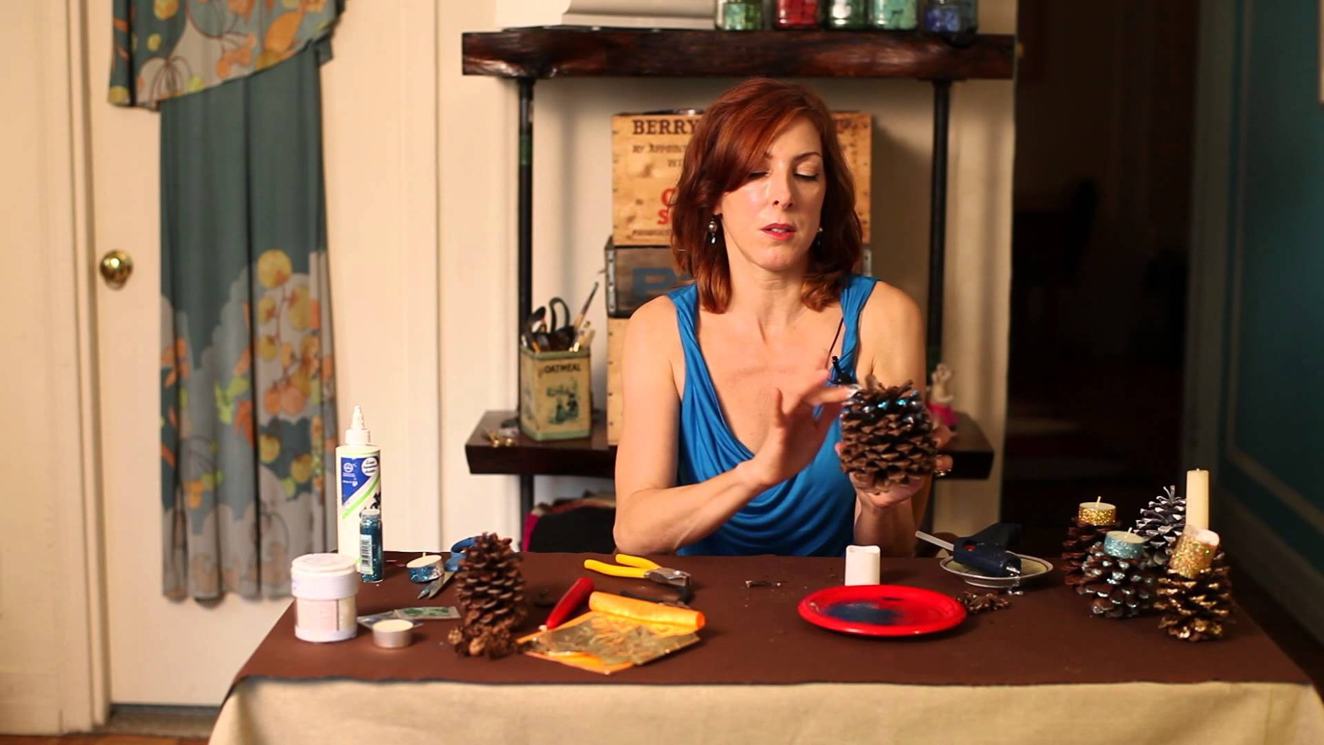 Making Pine Cone Candle Holders : DIY Crafts
