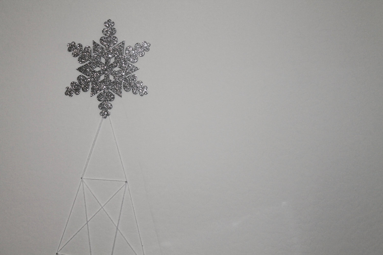 Yarn Christmas Tree DIY (wall decor)