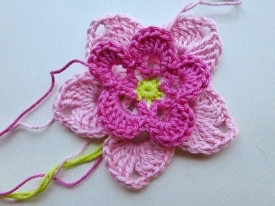 "Advent Calendar * December 22, 2012 * Crochet Flower ""Magnolia"""