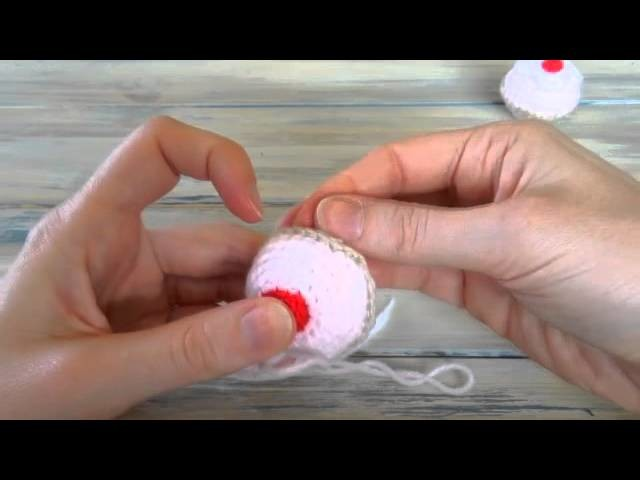 (crochet) How To - Weave in your yarn ends
