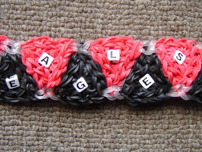 Rainbow Loom Triangle School Spirit Bracelet