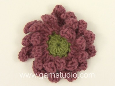 DROPS Crocheting Tutorial: How to work a Gerbera flower.