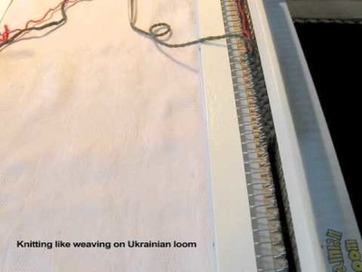 Hand loom knitting like weaving