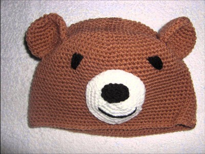 Knit caps, hand-knitted caps in different designs. Selbstgestrickte Mützen