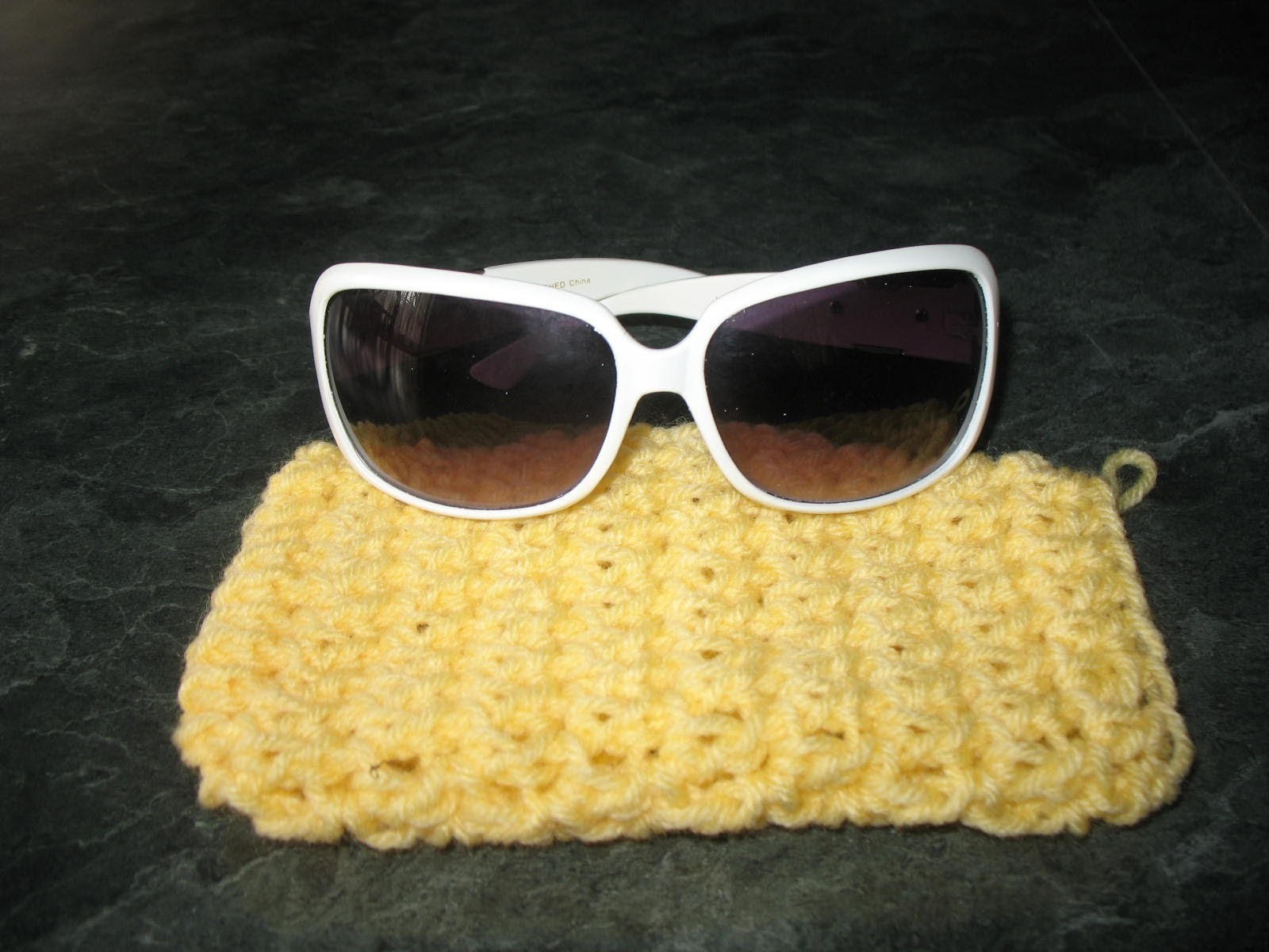 How to crochet a pouch bag for sunglasses