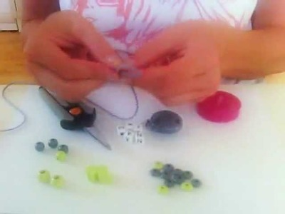 How to make a SAFE personalized pacifierclip from wood beads Tutorial