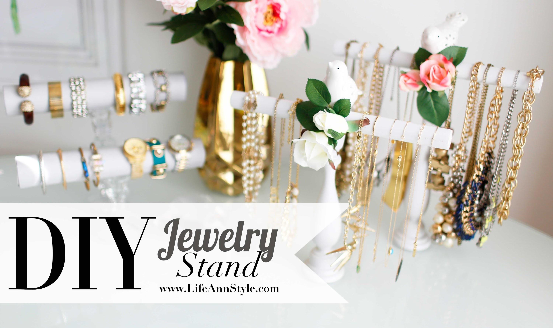 DIY Necklace & Bracelet Holder {Spring decor} ANNEORSHINE