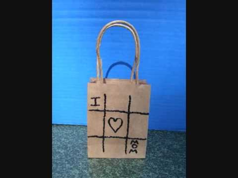Easy Arts and Crafts: HOW TO DECORATE A GIFT BAG