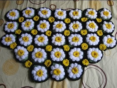 How to Crochet a Daisy Rug Tutorial 1