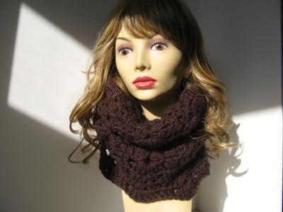 Crochet Scalloped Chunky Cowl -