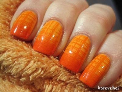 Grid stripes orange sponge gradient manicure - Ombre nails - wzory na paznokcie - Basevehei