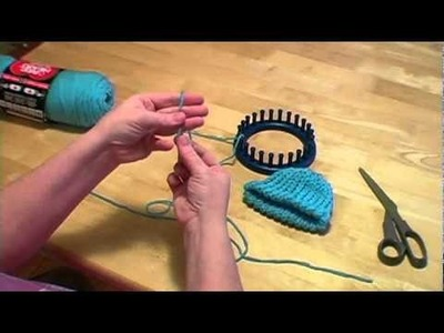 Knitting a Loom Hat with Pom pom Part II