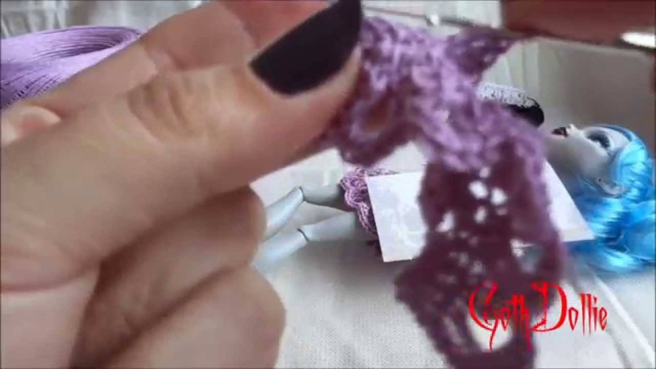 Tutorial - How to Crochet a top for Monster High Dolls by GothDollie