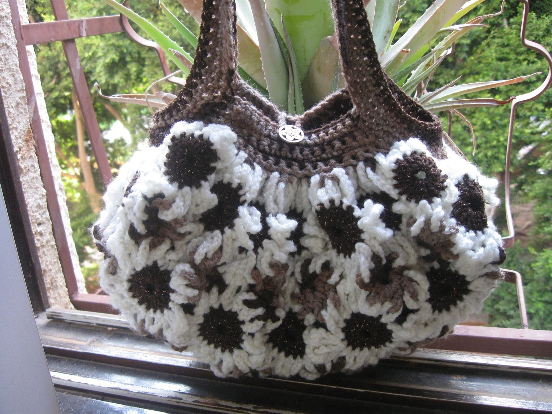 Crochet Flower Purse Tutorial 3 - Left Handed tutorial - Lining of the purses