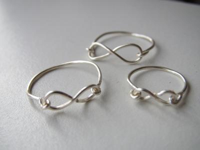 Holiday DIY: Infinity Ring!