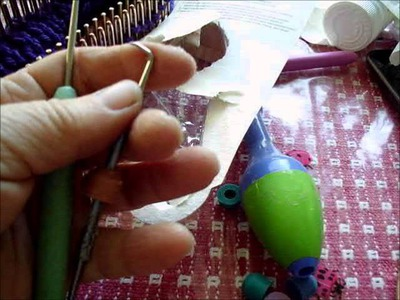 DIY ergonomic knitting loom hook