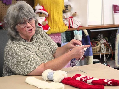 How to Knit an Old-Fashioned Christmas Stocking With One Needle : Holiday Crafts & Decorations