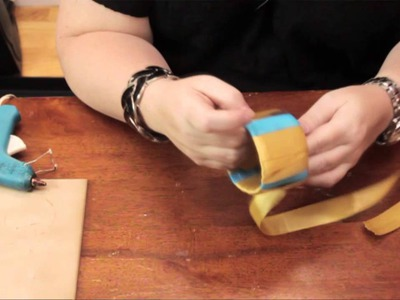 How to Make a Bracelet From a Recycled Plastic Bottle : DIY Craft Projects