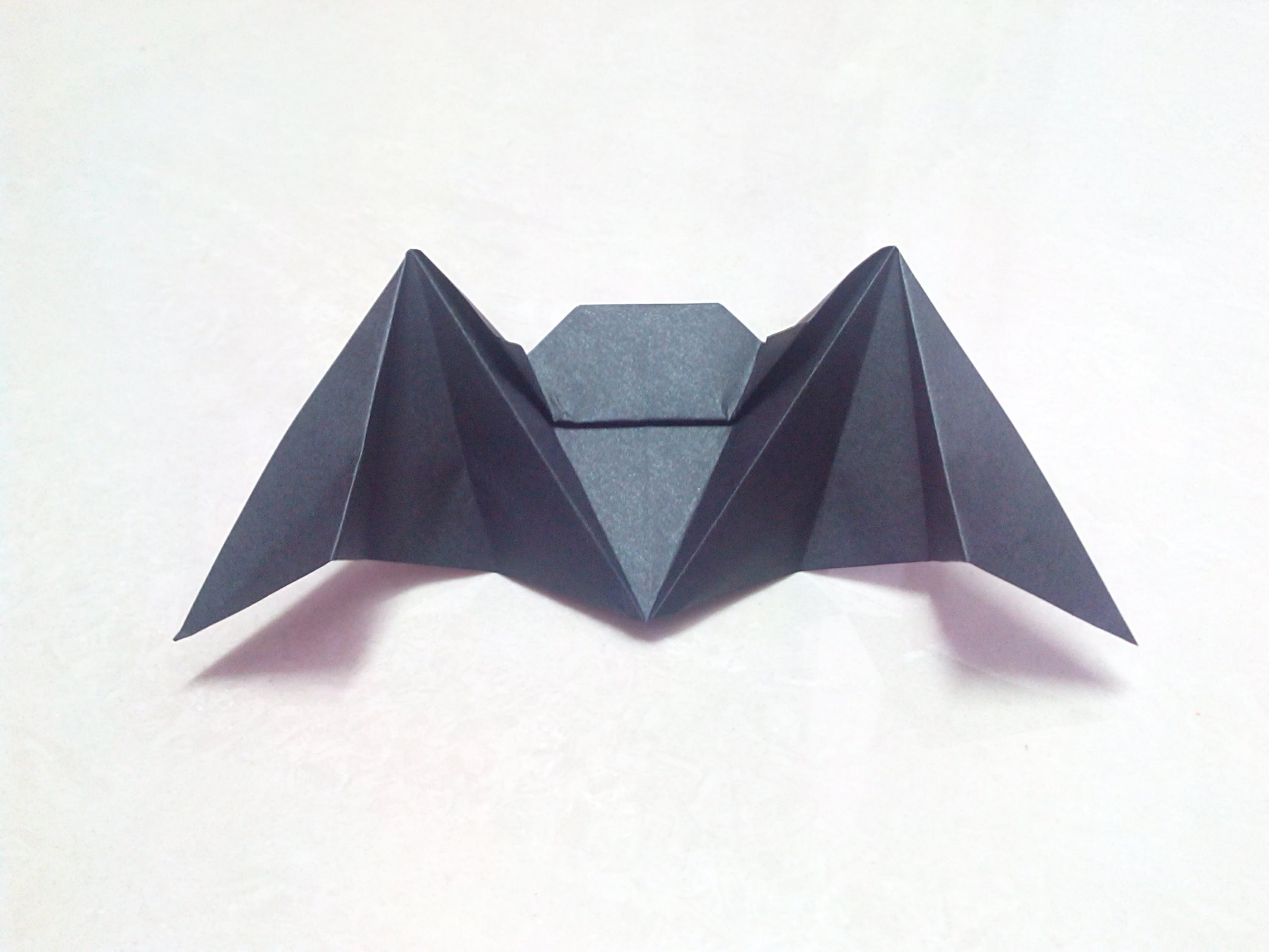 How to make an origami paper bat | Origami. Paper Folding Craft, Videos and Tutorials.