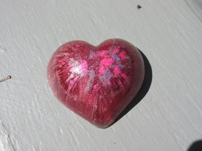Resin Pigment Powder Heart Craft Tutorial - You Can Use Plastic Molds For Your Resin!