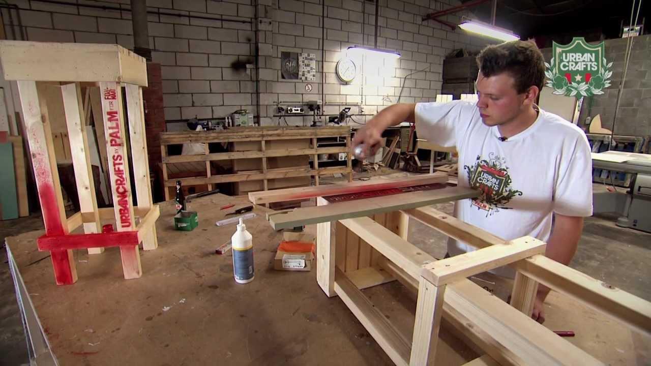 Urban Crafts Tutorial : Maak zelf een houten barkruk