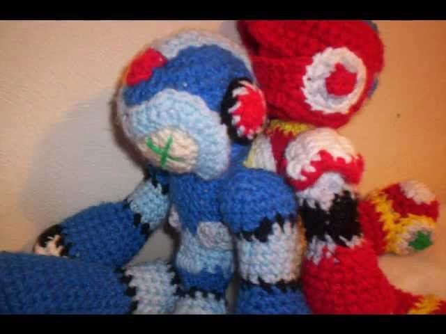 Fearless's Crochet: Megaman X and Zero plushies.