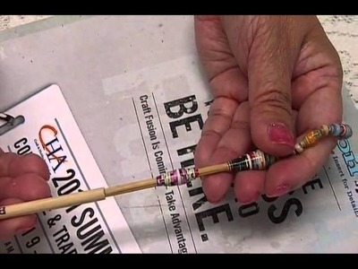 How to:  Cut & Roll Magazine Strips for Paper Beads by JaniceMae