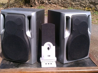 DIY How To Make Homemade Amplified Speakers For ANY Phone, Smartphone, MP3 Player, Android, IPhone