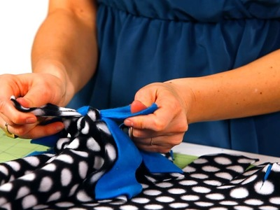 How to Tie Together a Fleece Blanket | No-Sew Crafts