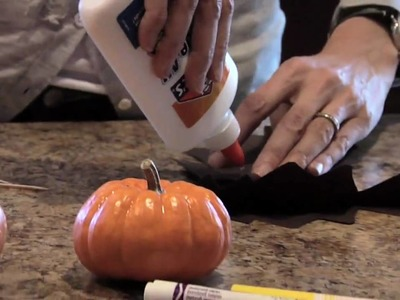 How to Halloween: Make a Mini-Pumpkin Bat in 4 Steps