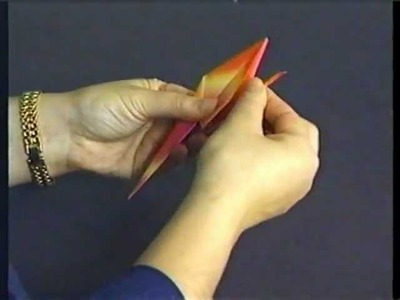 ORIGAMI - Japanese paper folding : a HOW-TO video