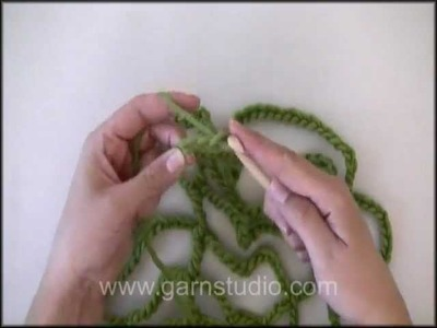 DROPS Crochet Tutorial: How to crochet a cobweb.