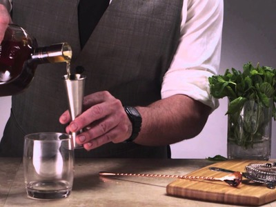 How to Craft a Mint Julep