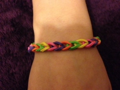 DIY rubber band bracelet