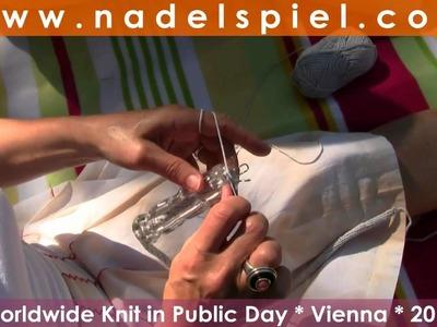 WWKIP World Wide Knit in Public Day * Stadtpark Vienna: 20 women * 20 knitting styles