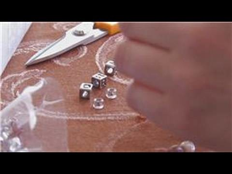 Craft Projects for Kids : How to Make Jewelry at Home