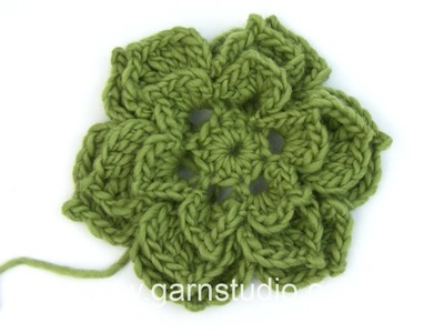 DROPS Crocheting Tutorial: How to work a large rose flower.