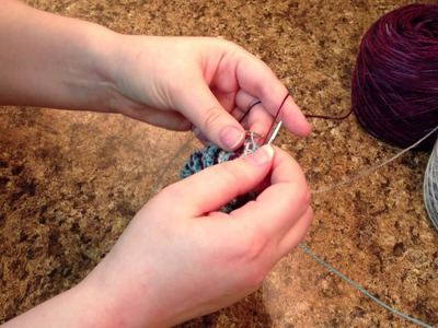Carrying Yarn and Keeping the Edge Stretchy With Striped Knitting