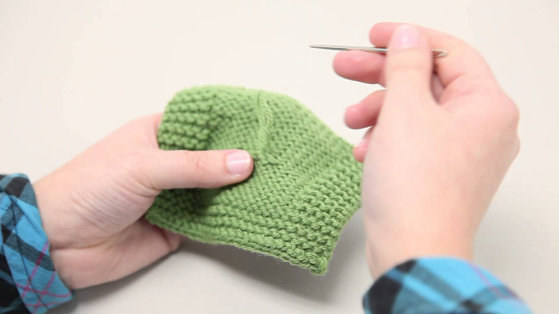 How to Fix Pulled Stitches in your Knitting