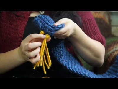 How to Knit Fringes on a Scarf : Knitting Tips