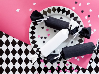How to make paper crackers (craft tutorial)