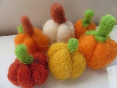Retro Craft: DIY Needle Felted Pumpkins