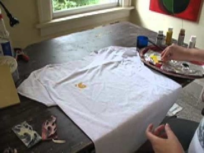 Fabric Painting: Stamped T Shirt Design