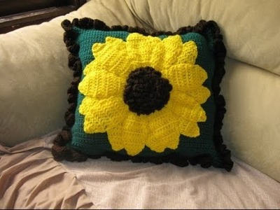 Large Sunflower Pillow pt 1 - Left Handed Crochet Tutorial