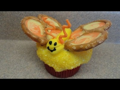 Decorating Cupcakes #40: Pretty Pretzel Butterflies