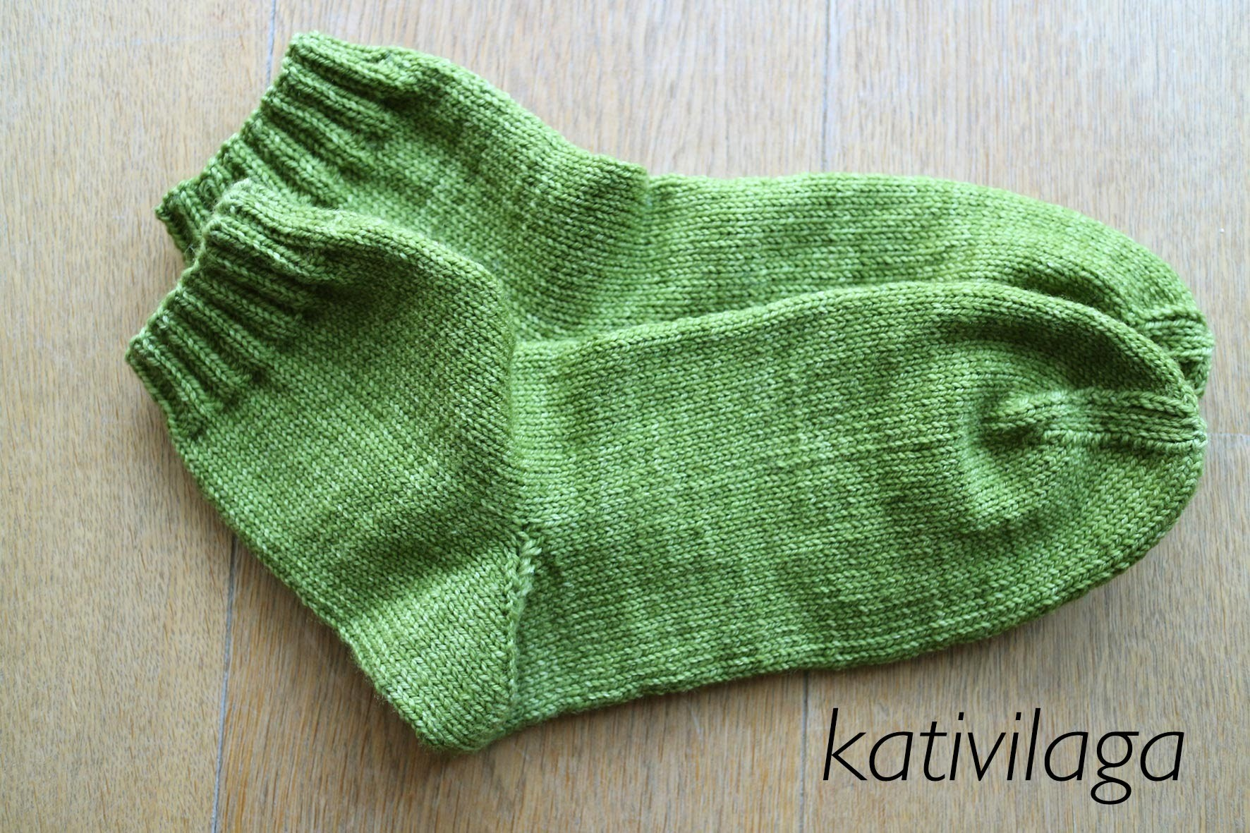 How to knit socks - Comment tricoter des chaussettes - Cómo tejer calcetines