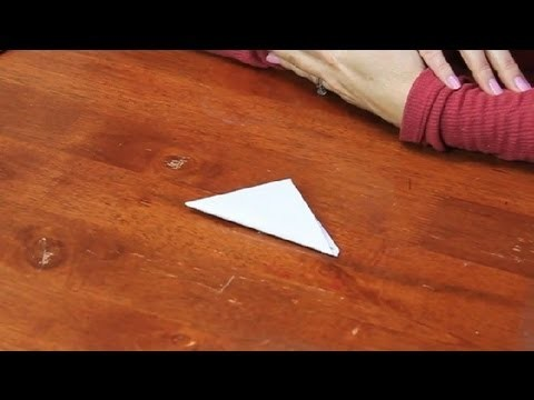 How to Make a Triangular Fold : Paper Folding Projects